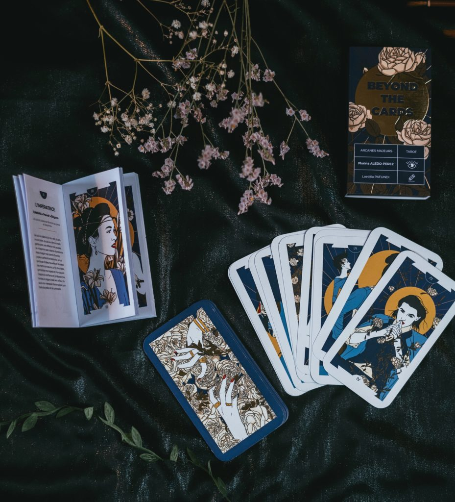 Jeu de tarot Beyond the cards, par Florina Aledo